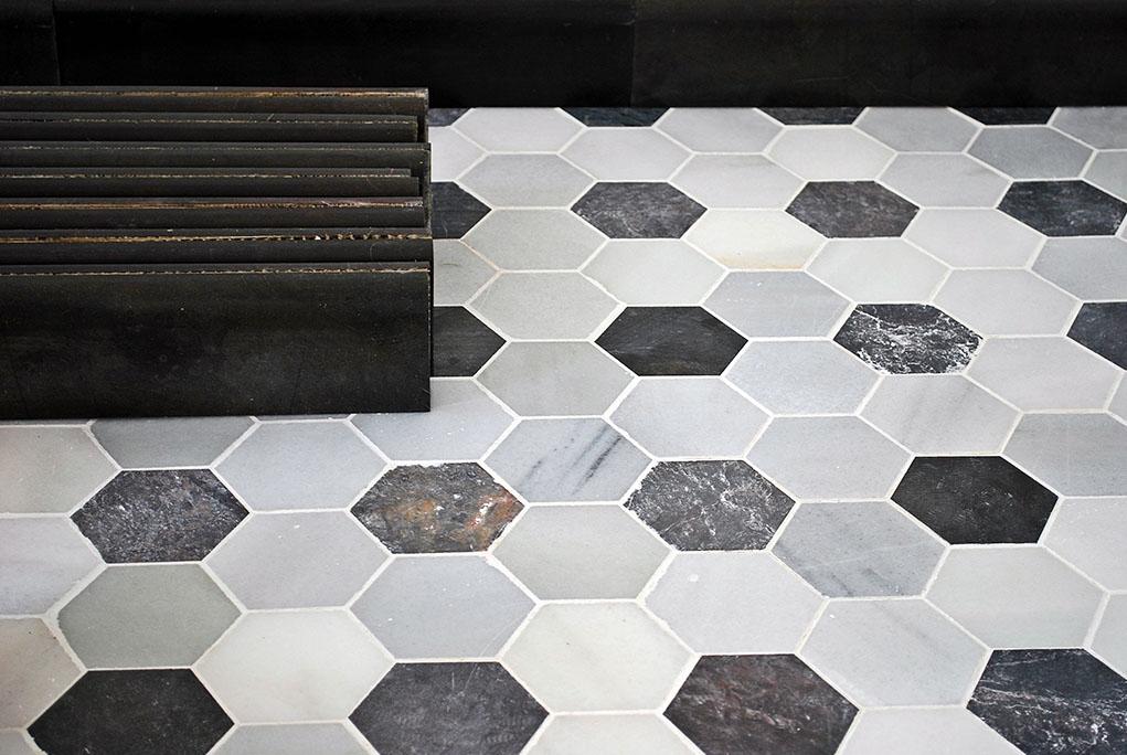 Platos de ducha con marmol panel de piedra decoracion for Marmol blanco y negro